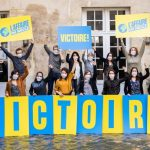 Les représentantes et représentants des associations co-requérantes réunis pour fêter la victoire. © Emeric Fohlen / Greenpeace